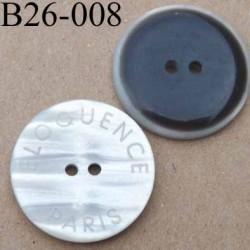 bouton 26 mm blanc cassé nacré et marron foncé avec inscription 2 trous diamètre 26 millimètres