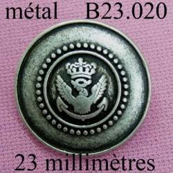 bouton 23 mm métal style ancien décoré couleur étain accroche un anneau diamètre 23 millimètres