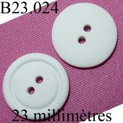 bouton 23 mm couleur blanc mat  2 trous  diamètre 23 millimètres