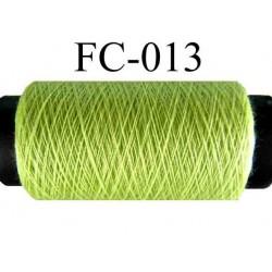 bobine de fil polyester n° 120 couleur vert anis longueur 500 mètres largeur de la bobine 5.5 cm fabriqué en france