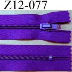 fermeture éclair longueur 12 cm couleur violet foncé  non séparable largeur 2.5 cm glissière nylon largeur du zip 4 mm
