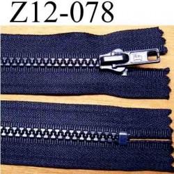 fermeture éclair longueur 12 cm couleur bleu foncé non séparable zip nylon largeur 3,2 cm largeur du zip moulé 6 mm