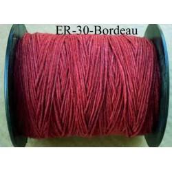 Echevette coton retors réf couleur bordeau art 89 longueur de bobine 300 m environ soit 30 échevettes de 10 m à 13 cts