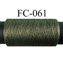 bobine de fil polyester texturé couleur vert kaki longueur 500 mètres largeur de la bobine 5.5 cm fabriqué en France