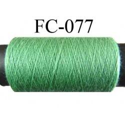bobine de fil polyester n° 120 couleur vert longueur 500 mètres largeur de la bobine 5.5 cm fabriqué en France