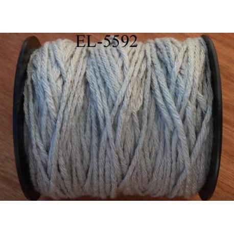 Echevette laine colbert couleur grise longueur de bobine 100 m soit 12 échevettes de 8 m canevas et tapisserie