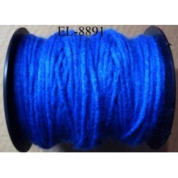 Echevette laine colbert couleur bleu longueur de bobine 100 m soit 12 échevettes de 8 m canevas et tapisserie