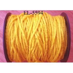 Echevette laine colbert couleur jaune longueur de bobine 100 m soit 12 échevettes de 8 m canevas et tapisserie