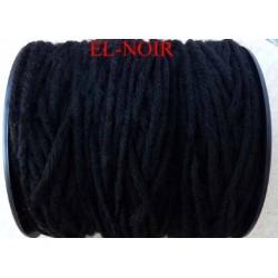 Echevette laine colbert couleur noir longueur de bobine 100 m soit 12 échevettes de 8 m canevas et tapisserie