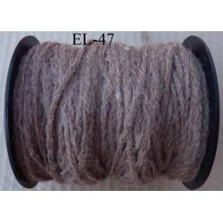 Echevette laine colbert couleur marron glacé longueur de bobine 100 m soit 12 échevettes de 8 m canevas et tapisserie