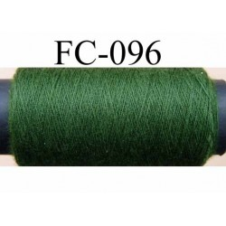 bobine de fil n° 120 polyester couleur vert longueur 500 mètres largeur de la bobine 5.5 cm fabriqué en France