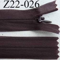 fermeture éclair invisible longueur 22 cm couleur marron non séparable largeur 2.2 cm glissière nylon largeur 4 mm
