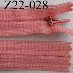 fermeture éclair invisible longueur 22 cm couleur rose non séparable largeur 2.2 cm glissière nylon largeur 4 mm
