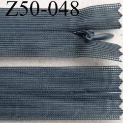 fermeture éclair invisible longueur 50 cm couleur gris tirant sur le bleu non séparable largeur 2.5 cm glissière nylon  4 mm