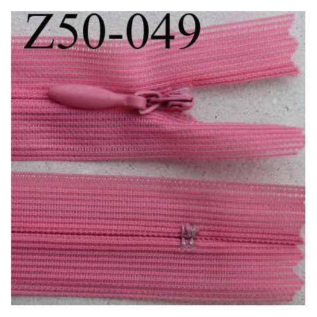 fermeture éclair invisible longueur 50 cm couleur rose non séparable largeur 2.2 cm glissière nylon largeur 4 mm