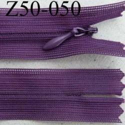 fermeture éclair invisible longueur 50 cm couleur violet non séparable largeur 2.2 cm glissière nylon largeur 4 mm
