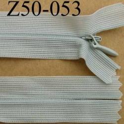 fermeture éclair invisible longueur 50 cm couleur gris tirant sur le vert non séparable largeur 2.5 cm glissière nylon 4 mm