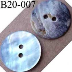 bouton en nacre diamètre 20 mm 2 trous