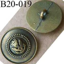 bouton 20 mm métal style ancien bronze patiné insignes royauté au centre accroche un anneau diamètre 20 mm