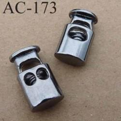 arrêt cordon stop cordon oval un et deux trous en métal  à ressort couleur acier chromé de taille 20 mm x 11 mm