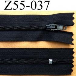 fermeture éclair longueur 55 cm couleur noir non séparable largeur 2.7 cm zip glissière nylon largeur 4 mm