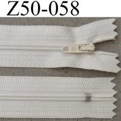 fermeture éclair longueur 50 cm couleur blanc cassé écru non séparable largeur 2.5 cm glissière nylon curseur métal largeur 4 mm