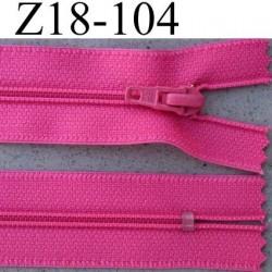 fermeture éclair longueur 18 cm couleur rose fushia non séparable largeur 2.5 cm glissière en nylon largeur 4 mm