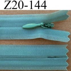 fermeture éclair invisible longueur 20 cm couleur vert non séparable largeur 2.3 cm glissière nylon largeur du zip 4 mm