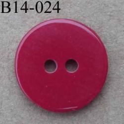 bouton diamètre 14 mm couleur rouge foncé brillant  2 trous