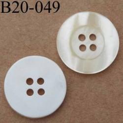 bouton 20 mm couleur nacre et blanc  4 trous diamètre 20 mm