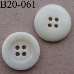bouton 20 mm couleur écru avec bordure brillant 4 trous diamètre 20 mm
