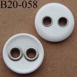 bouton 20 mm couleur blanc brillant 2 trous sertis de métal  diamètre 20 mm