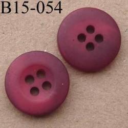 bouton diamètre 15 mm  couleur rouge framboise mat  avec bordure 4 trous