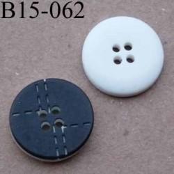bouton 15 mm couleur  noir avec motifs points de couture et blanc 4 trous diamètre 15 mm