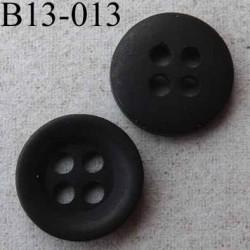 bouton diamètre 13 mm  4 trous couleur marron foncé mat