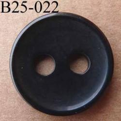 bouton 25 mm  couleur noir brillant 2 gros trous (diamètre 5 millimètres) épaisseur 4 mm