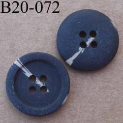 bouton 20 mm couleur marron foncé mat  avec trace marron clair 4 trous diamètre 20 mm
