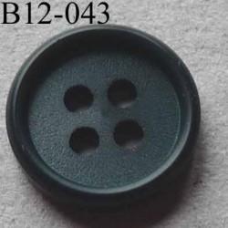 bouton 12 mm couleur vert anglais  4 trous diamètre 12 millimètres