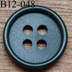 bouton 12 mm couleur kaki 4 trous diamètre 12 mm