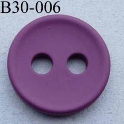 bouton 30 mm  couleur prune mat 2 gros trous (diamètre 5 mm) épaisseur 4 mm