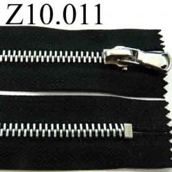 fermeture zip à glissière  longueur 10 cm couleur noir non séparable largeur 3 cm  glissière métal  largeur du zip 5.5 mm