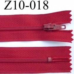 fermeture zip à glissière longueur 10 cm couleur rouge non séparable largeur 2.5 cm glissière nylon largeur 4 mm