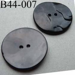 bouton  diamètre 44 mm  en nacre couleur noir 2 trous diamètre 44 mm