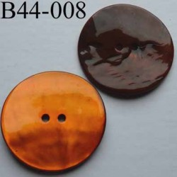bouton  diamètre 44 mm  en nacre couleur orange 2 trous diamètre 44 mm