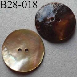 bouton diamètre 28 mm en nacre couleur brun orangé  2 trous diamètre 28 mm