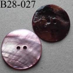 bouton diamètre 28 mm en nacre couleur parme 2 trous diamètre 28 mm