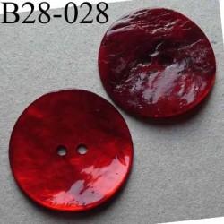 bouton diamètre 28 mm en nacre couleur rouge 2 trous diamètre 28 mm