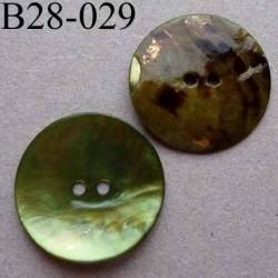 bouton diamètre 28 mm en nacre couleur vert clair 2 trous diamètre 28 mm