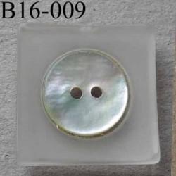 bouton carré diamètre 16 mm en nacre et résine couleur blanc 2 trous diamètre 16 mm