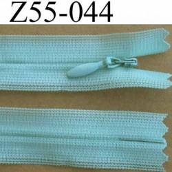 fermeture zip invisible longueur 55 cm couleur vert  non séparable largeur 2.2 cm glissière nylon largeur 4 mm
